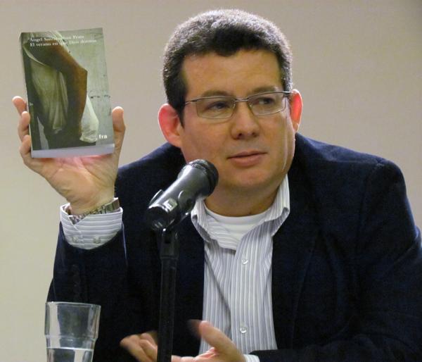 Amir Valle presenta la novela en el Instituto Cervantes de Berlín, 13 de septiembre de 2013.