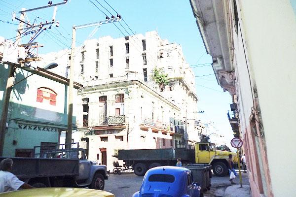 Edificio Arbos, Oquendo 308, entre San Rafael y San Miguel, Centro Habana.