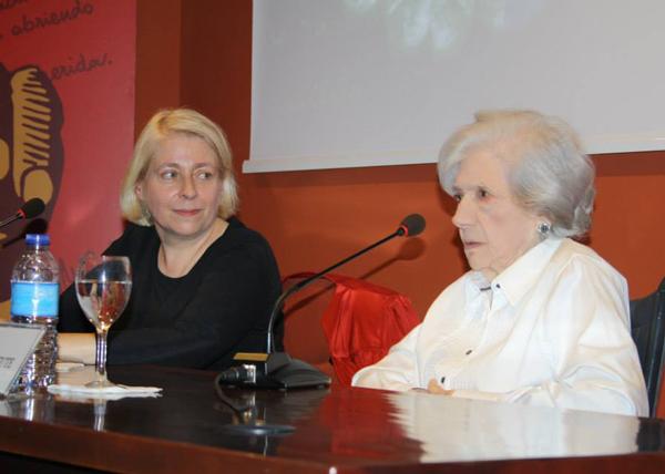 Juana Salabert y otra de ls grandes: Ana María Matute.
