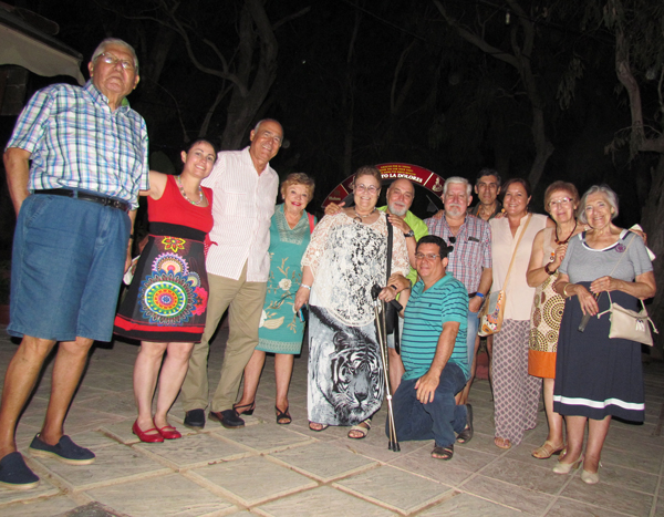 Algunos miembros de la Tertulia de Guardamar.