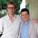 Con el escritor francés Sebastien Rutes, Medellín, Colombia, septiembre 2013.