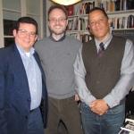 Con los escritores Giovanni Agnoloni (al centro), de Italia y el cubano José Manuel Prieto, en la librería La Rayuela, de Berlín, mayo 2014.