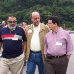 Mit den kubanischen Schriftstellern Lorenzo Lunar und Justo Vasco, Semana Negra. Gijon, Spanien, 2003