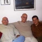 Mit den kubanischen Schriftstellern Luis Manuel García Méndez und Pedro Juan Gutiérrez. Madrid, Spanien, 2006.