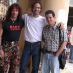 Mit den kubanischen Schriftstellern Yoss und Noa (auch ein Maler). Havanna, Kuba, 2005.