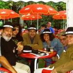 Mit Lorenzo Lunar (Kuba), Yoss (Kuba), José Manuel Fajardo (Spenien), Karla Suárez (Kuba) und dem Herausgeber Marco Troppea (Italien), in Semana Negra. Gijon, Spanien, 2004.