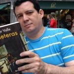 """In Semana Negra, Gijón, 2007, liest er sein Buch """"Jineteras"""" nominiert (und späteren Sieger) für den International """"Rodolfo Walsh"""" Preis. Gijon, Spanien, Juli 2007."""