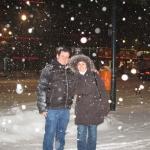 Mit seiner Frau Berta unter Schnee in Berlin, nach einer Lesung in der Iberoamerikanische Institute. Berlin, Deutschland, Januar 2010.