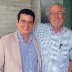 Con el escritor colombiano Héctor Abad Faciolince, Medellín, Colombia, septiembre 2013.
