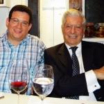 Durante una provechosa y cercana charla personal con Mario Vargas Llosa, en Sofía, Bulgaria.