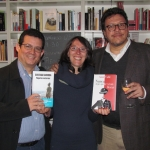 En la librería La Rayuela, en Berlín: Amir Valle, Margarita Ruby (dueña de la librería) y el colombiano Santiago Gamboa, mayo de 2015.