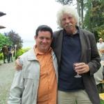 Con Johano Strasser, Presidente del PEN Club Alemán, en la Residencia Internacional para Escritores Villa Waldberta, en Feldafing, Alemania, julio 2012.