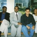 Con el haitiano Danny Laferriere, el dominicano Silvio Torres Saillant y la haitiana Yanick Lahens, en la Universidad del Sagrado Corazón, San Juan, Puerto Rico, 2000.