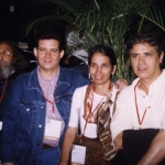 Con los cubanos Guillermo Vidal, Aida Bahr y Senel Paz. Feria Internacional del Libro, Guadalajara, México, 2002.