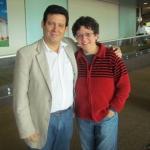 Con la escritora cubana Odette Alonso, en un encuentro casual en el aeropuerto de San José, Costa Rica, octubre 2011.
