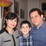 Con su esposa Berta y su hijo Lior, el fin de año en Berlín, Alemania, 2011.