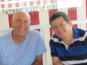 En Guardamar, junto al escritor cubano Antonio Álvarez Gil.